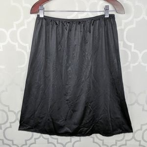 Vtg Vanity Fair Black Skirt Slip